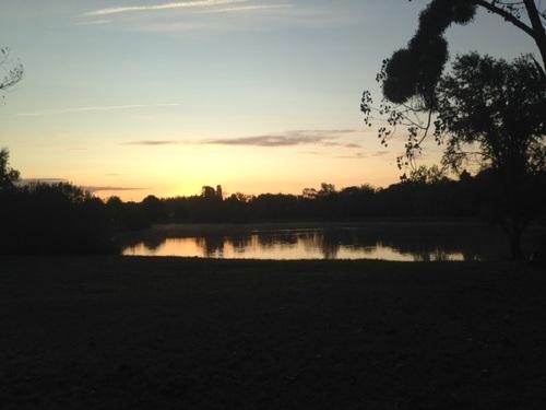 lever de soleil sur un étang de Sologne