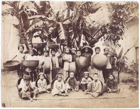 Extrême Orient Anam - anonyme - groupe d'enfants - ca 1890 (coll JCB)