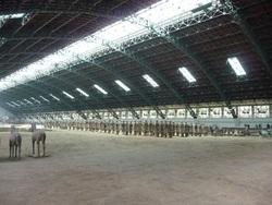 Xi'an (ou les soldats dans un hangar : bisous ma poupoule !!!)