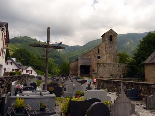 Cimetière et église