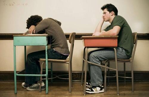 20 minutes : La scolarité souvent accidentée des enfants précoces