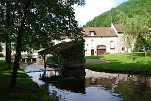 Lusigny-sur-Ouche - Lavoir - été