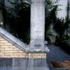 Pied d'escalier en vue latérale