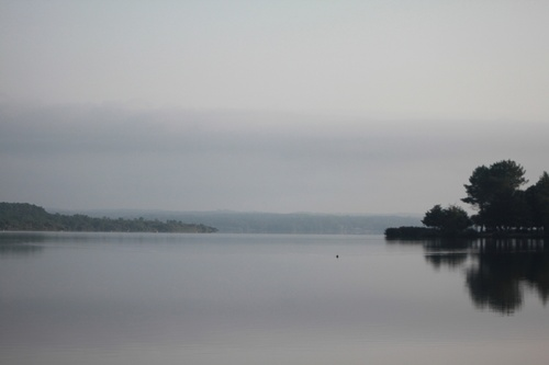 Brume sur le lac de SOUSTONS.