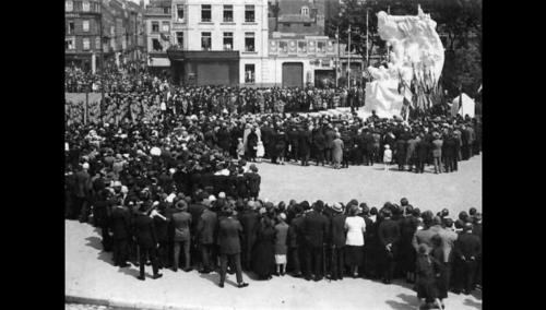 les « Six Bourgeois » remplacés par le monument aux morts