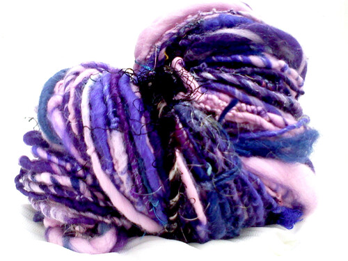 laine filée main, de roses et de pétunias