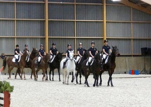 Les cavaliers de la Garde Républicaine étaient présents lors de l'inauguration du nouveau centre équestre de Châtillon sur Seine !...