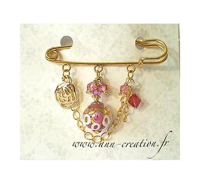 Broche Epingle Rose, Verre de Murano authentique, Cristal de Swarovski et breloque fleur / Métal doré