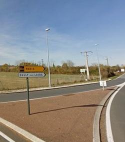 Le panneau directionnel du giratoire Kronofrance