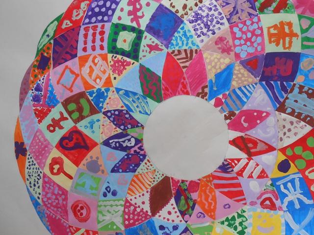 Blog de mimipalitaf : mimimickeydumont : mes mandalas au compas, suite de la journée pour la Paix