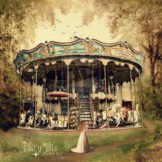 castlesncrowns - Conte de fées    Carousel dans les bois