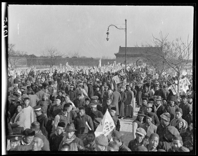 November 29 student demonstration, Tiananmen Square. China, Beijing, 1917-1919. (Photo by Sidney David Gamble)
