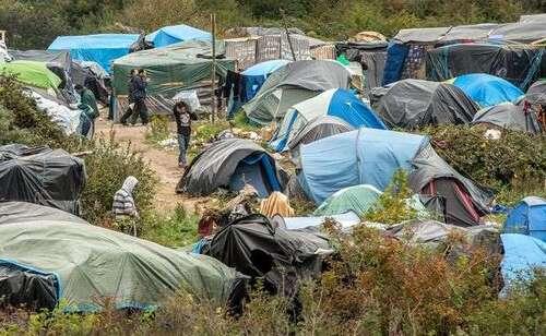 """""""Jungle"""" de Calais: un migrant touché par balle à la colonne vertébrale"""