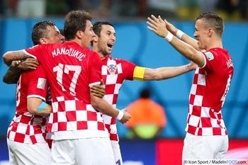 joie-croatie-mario-mandzukic---darijo-srna---ivan-perisic-18-06-2014-cameroun---croatie-coupe-du-monde-2014---20140619015315-1965