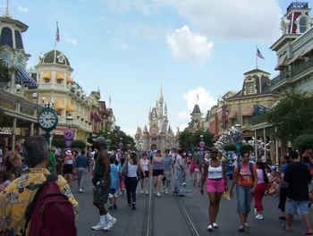 disney_main_street-thumb