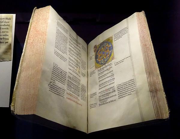 """Quelques incunables exposés à l'Hôtel-Dieu de Troyes , lors de """"Clairvaux, l'aventure cistercienne"""""""