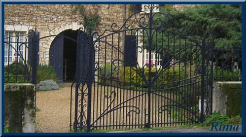 grille-bleu-fonc----cellefroin-Charente.jpg