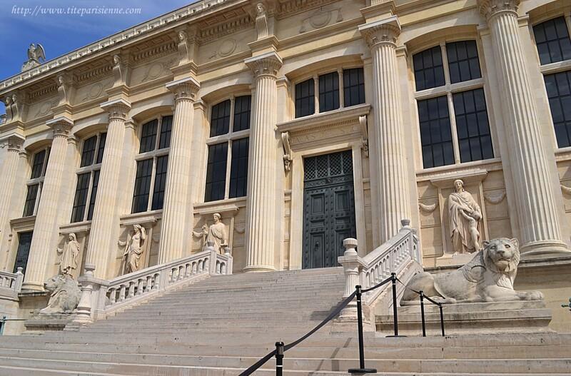 Le Palais de Justice, façade arrière, rue de Harley