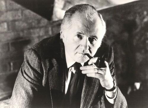 """Jean Richard dans"""" Maigret au Picratt's"""",  octobre 1985"""