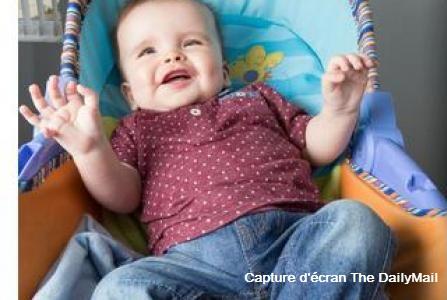 Un bébé né avec 12 doigts et 12 orteils