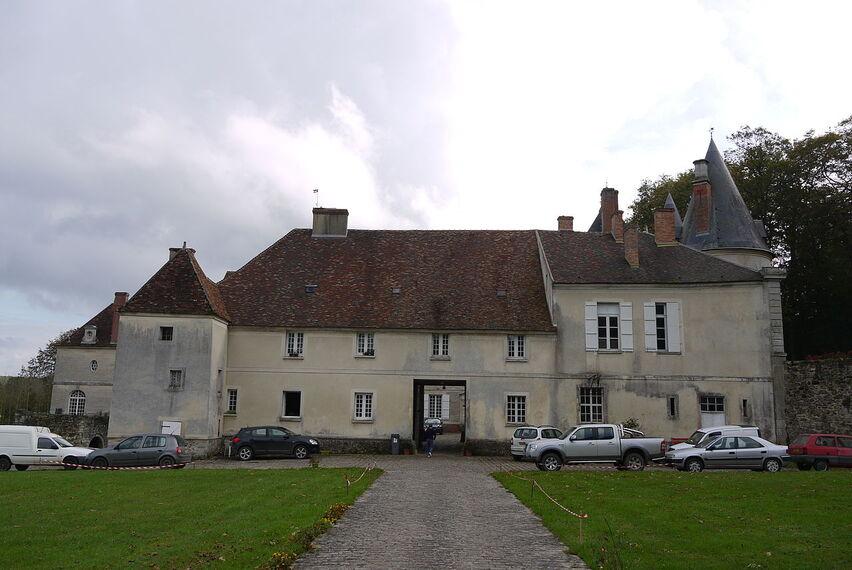 Chateau de marigny en orxois (5).JPG