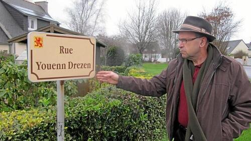 Pont-l'Abbé-La rue Youenn Drezen conservera-t-elle son nom ? (OF.fr -4/01/2016)