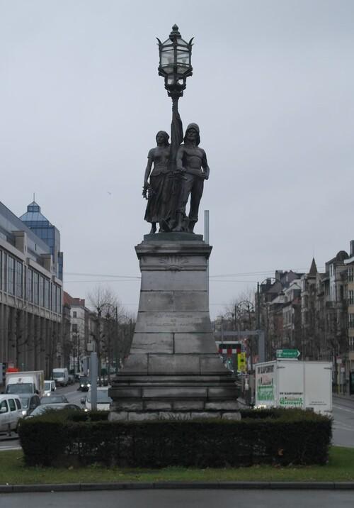 Promenade à Bruxelles sous la pluie