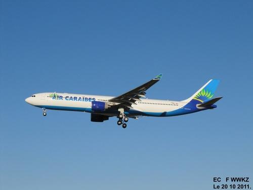 Airbus A 330 F WWKZ à Blagnac Le 20 10 2011 à 17h41.