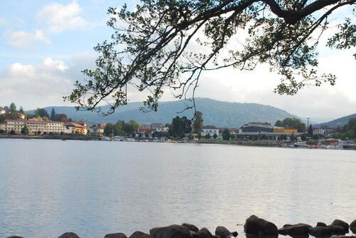 Fkânerie autour du lac