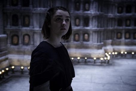 Arya dans la maison du Noir et du Blanc
