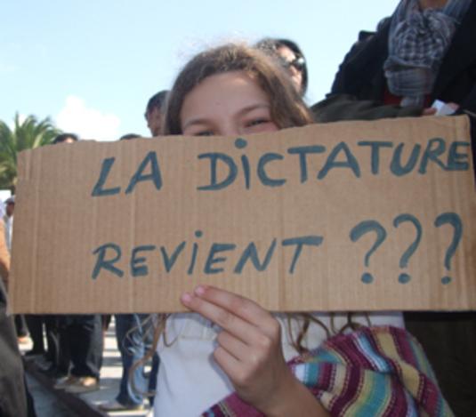 Dictature, un pas de plus en avant : étranglements, gazages...