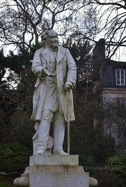 Jardin des Plantes de Paris : Statue de Michel-Eugène Chevreul (1786-1889)