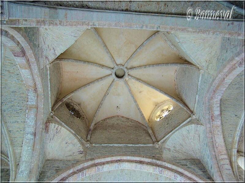 Abbaye de Beaulieu-en-Rouergue abbatiale croisée du transept
