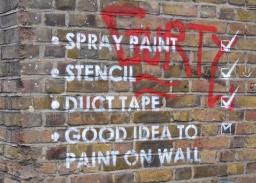 Londres street-art Bricklane message spray 4
