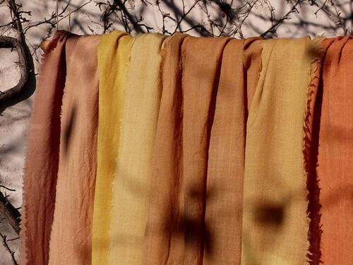 Envol de foulards aux couleurs végétales...