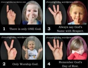 10-commandements-avec-doigts.jpg