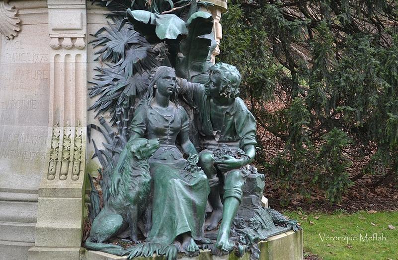 Statue de Paul et Virginie et Bernardin de Saint-Pierre par Louis Holweck (1861-1935)