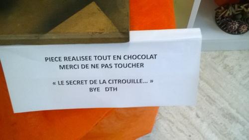 CHOCOLAT, CELA LES APAISE ????, BOUGIE ....