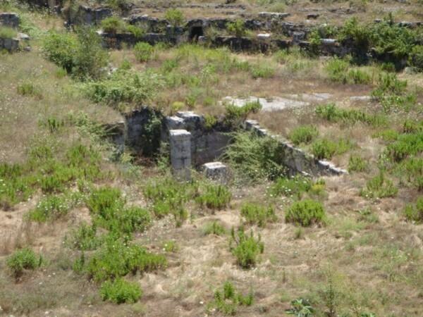 Syracuse, Neapolis, amphithéâtre romain.3 jpg