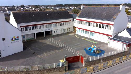 école SAINTE ANNE  15 place de l'Eglise PLOUHINEC
