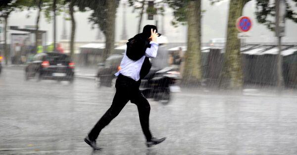 Dans les régions du sud-est de la France, les pluies extrêmes sont-elles devenues plus fréquentes que dans le passé ? Quelles sont les tendances pour le futur? © alexkatkov, Shutterstock