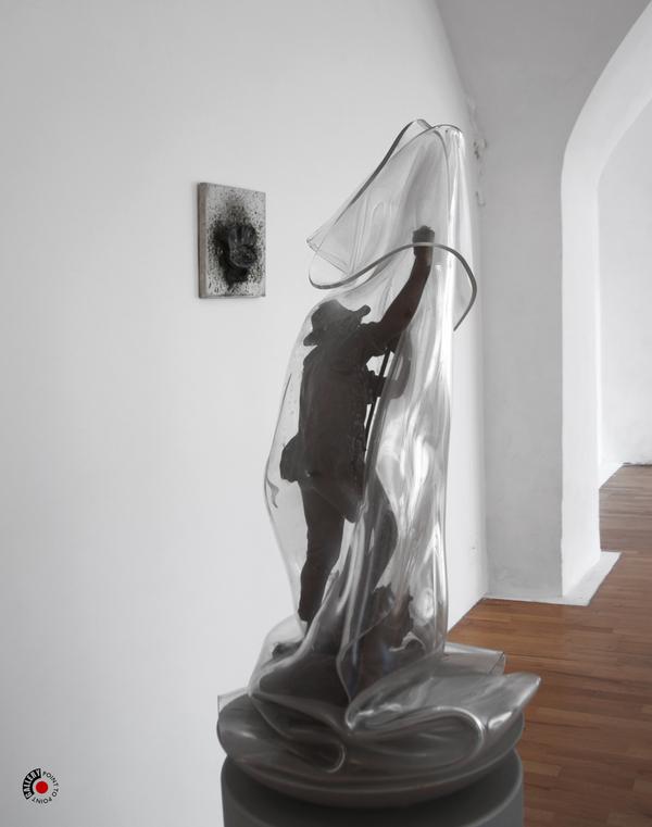 À PROPOS DE NICE À NIMES : CÉSAR compression, sculpture, enveloppage,