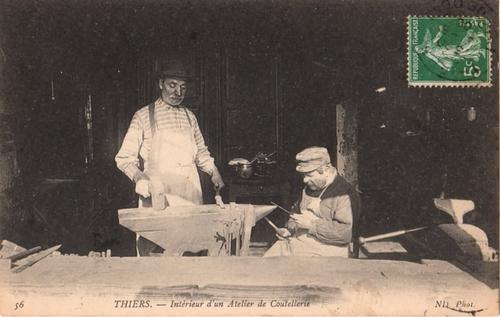 1909 - Deux ouvriers couteliers à Thiers