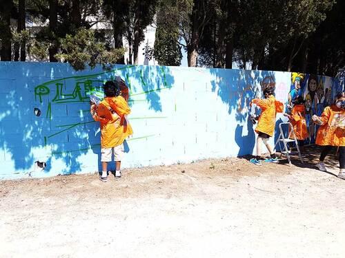 Stage graff Maison Pour Tous Marcel Pagnol Montpellier (34) Permettre a un groupe de jeune de vivre un projet  : reflexion, action, valorisation. Decoration mur centre de formation MHRC Avril 2017