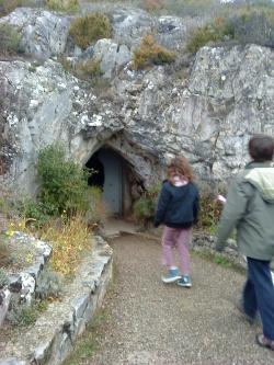 entrée de la grotte de Limousis