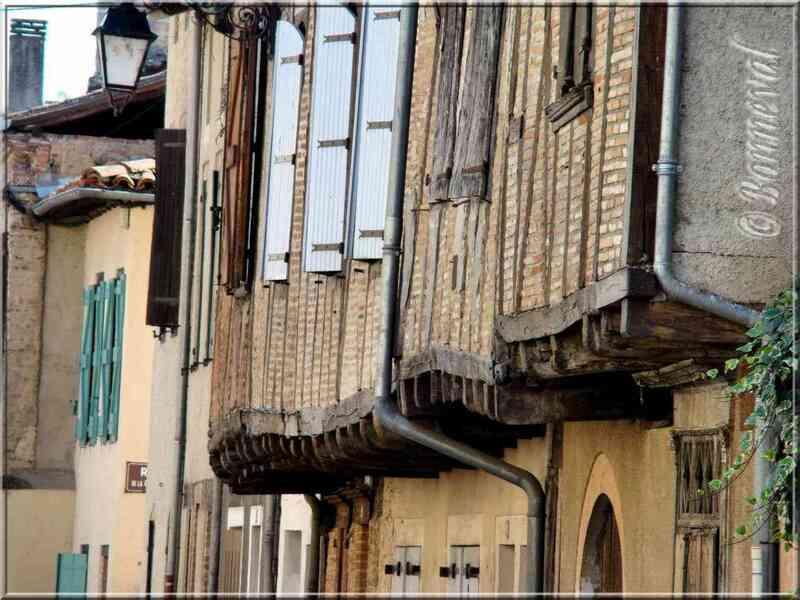 Lisle-sur-Tarn Tarn maisons à colombages
