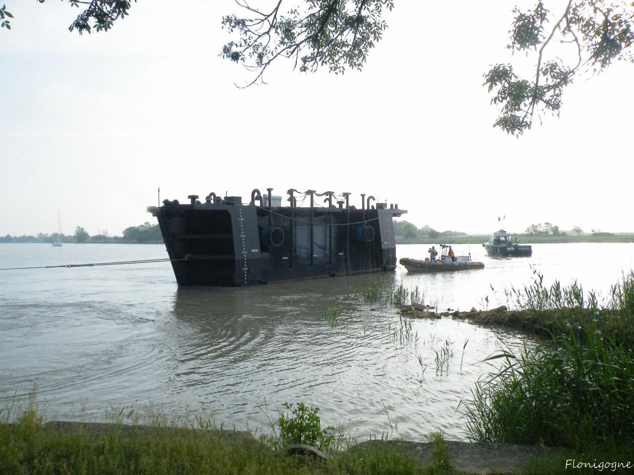 Le bateau-porte de la forme Napoléon III
