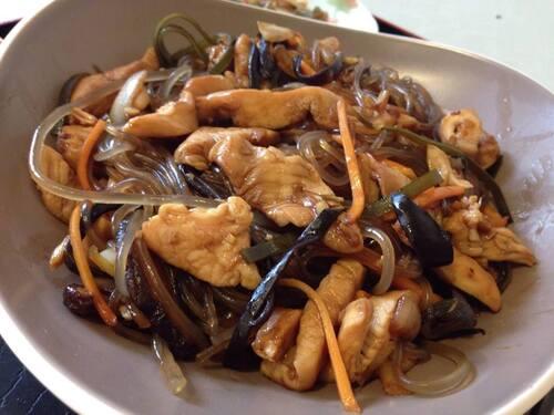 JAPCHAE (잡채) - Nouilles d'amidon aux légumes sautés & dressing sucré au soja & sésame