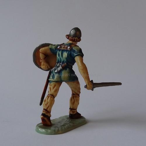 Réf: 8833 Normand marchant avec son épée 1ère peinture