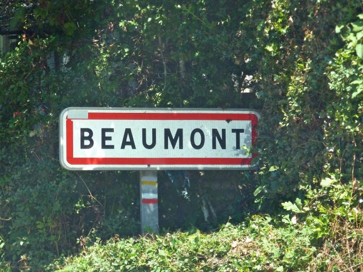Autrefois : évoque l'idée de beauté, sentiment d'admiration. - Beaumont